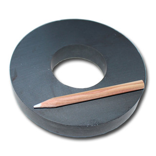 Hard ferrite Magnets Ø110xØ45x18 Y30 - 10 kg -