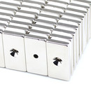 Neodymium magnets 40x20x5 with bore counterbore North Ø4,2 mm N40 - pull force 16 kg -