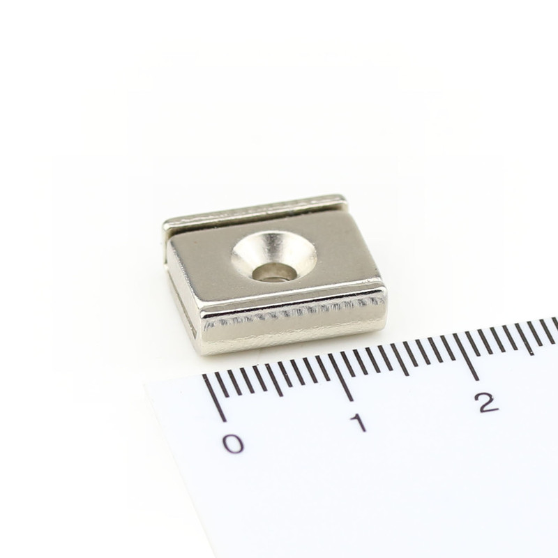 Neodymium flat pot magnets rectangular 15 x 13,5 x 5 mm with counterbore